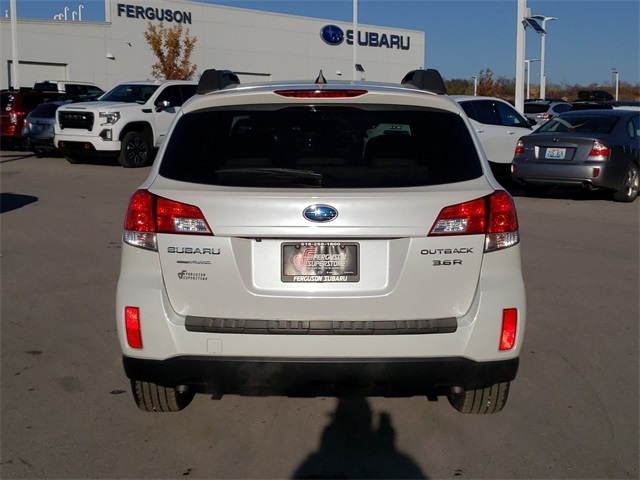 Pre-Owned 2012 Subaru Outback 3.6R